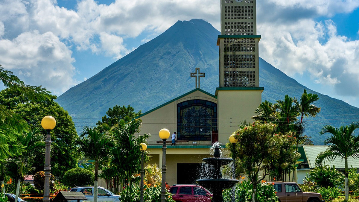 La Fortuna Are You Looking For The Best Shuttle Service